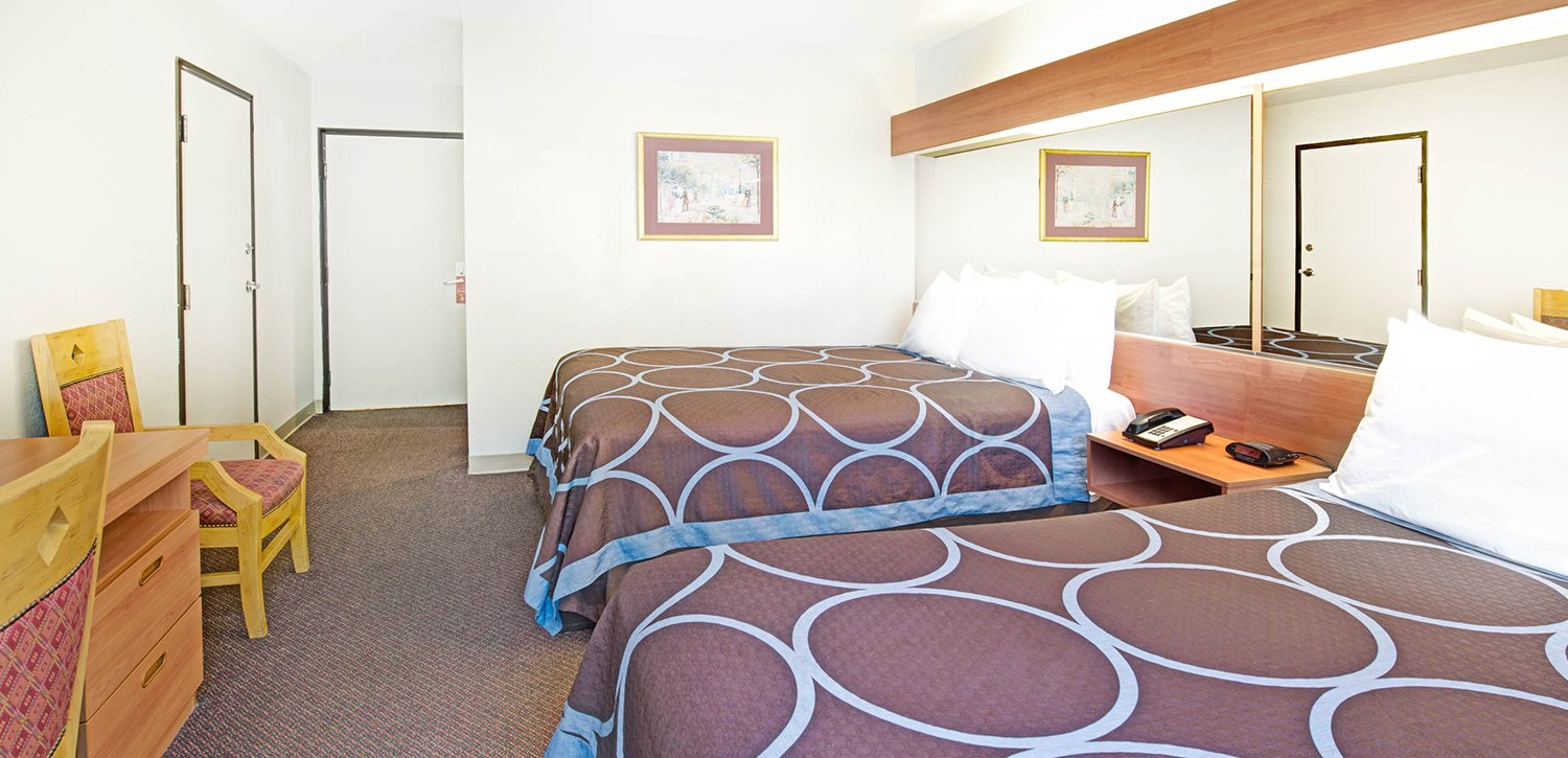 Family-friendly Guest Rooms Are Available at Super 8 Sacramento Airport