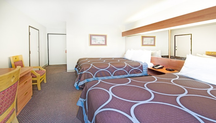 Welcome To Super 8 by Wyndham Sacramento Airport - 2 Queen Beds